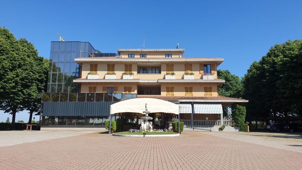 Ristorante e hotel ampio parcheggio Parma